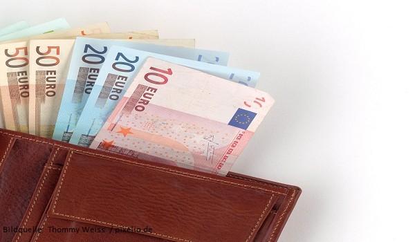 Brieftasche mit Geld